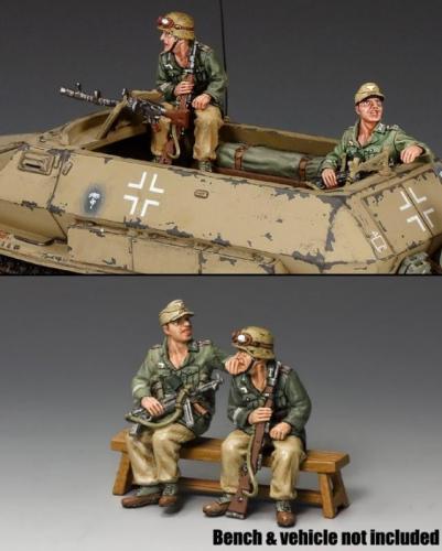 AK098 - Afrika Korps Demag Passengers