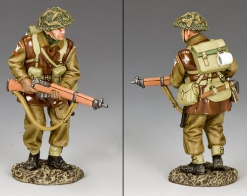 BBB006 - British Advancing Rifleman