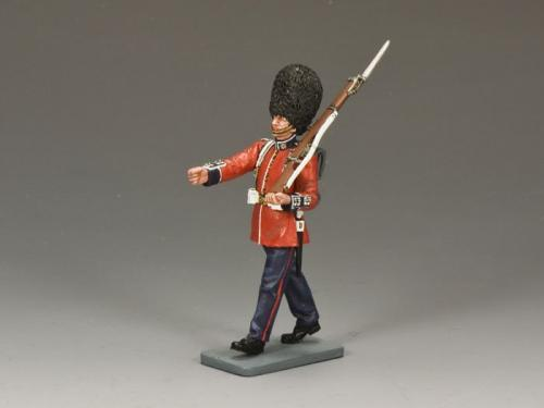 CE004 - British Marching Guardsman with Rifle