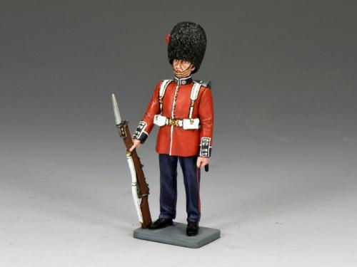 CE009 - British Guard Stand-At-Ease