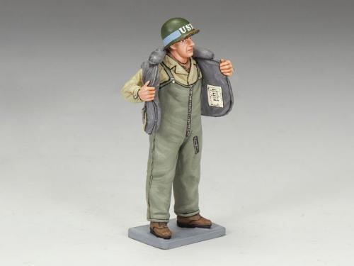 DD140 - US Sailor Putting on Lifejacket