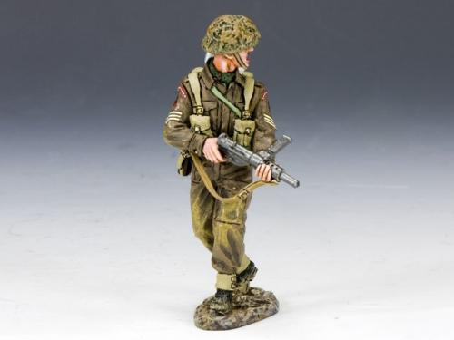 DD165 - British Sergeant with Sten Gun
