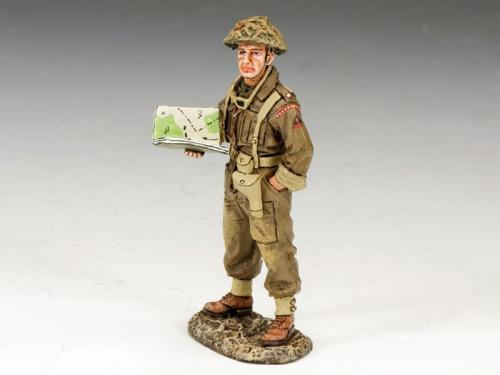 DD170 - British Officer with Map Case