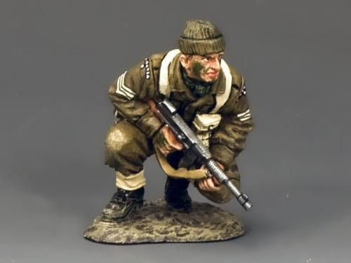 DD196 - British Crouching with Tommy Gun