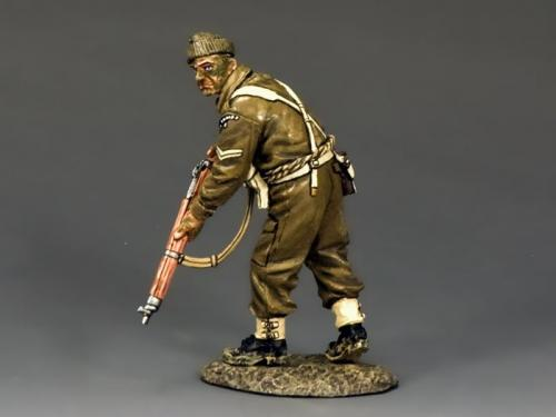 DD197 - British Advancing Rifleman