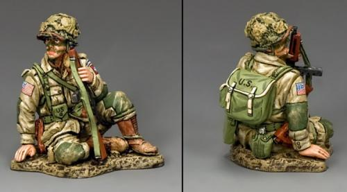 DD248 - US Sitting Tommy Gunner