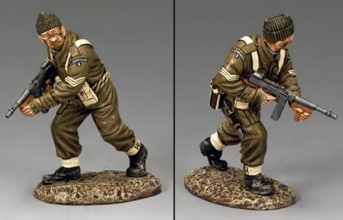 DD256 - British Advancing Tommy Gunner