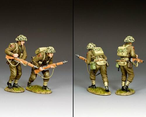 DD345(G) - British Advancing Set with Grass Base - disponible début novembre