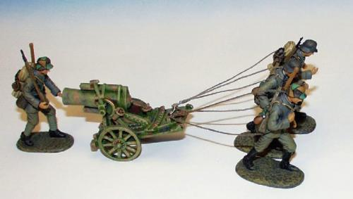 EGW.2 - 245 mm Trench Mortar, 4 German crew towing