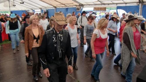 Erquelinnes 2015 - Country Winds, Line Dancers