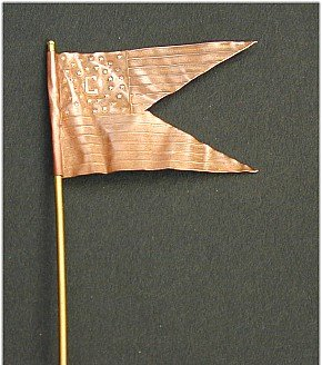 F05 - Union Cavalry swallow-tail guidon. Photo-etched copper flag, 54mm (1-32 scale) - EN STOCK