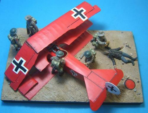 FF.2 - The death of Rittmeister Manfred von Richthofen (The Red Baron) Morlamcourt Ridge, near the village of Vaux-sur-Somme, France. 21st April, 1918. Comes, with crashed plane, 6 figures, including dead Richthofen