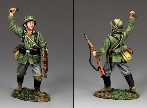 FOB164 - German Soldaten with Grenade