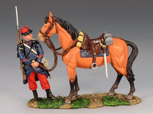 FW067 - Poilu attending to a General's Horse