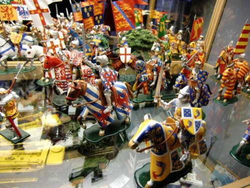 Figurines du Moyen Age  de Marcel Vergeylen - Photo 1 - La production est treminée suite au décès de Marcel. en 2015