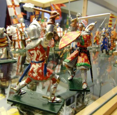 Figurines du Moyen Age  de Marcel Vergeylen - Photo 3 - La production est treminée suite au décès de Marcel. en 2015