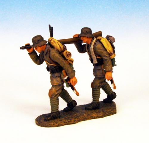 GST.6 - Advancing, with Anti Tank Rifle, 2 German figures