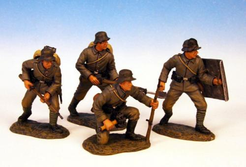 GST.8 - Trench raiding party, 4 German figures