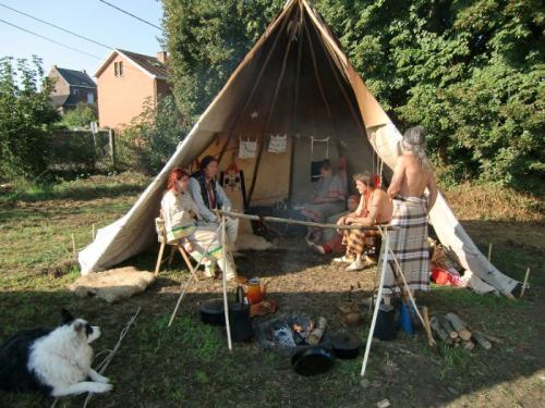Havré 2018 - Campement indien ...tipi 3