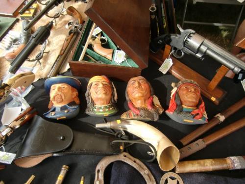 Havré 2019 - Stand du Royaume du Soldat ... Général Custer et ses amis indiens