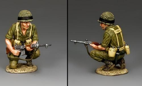 IDF013 - Crouching Para