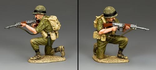 IDF014 - Kneeling and Taking Aim