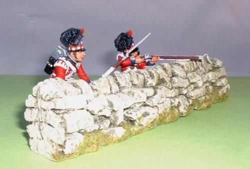 JG Miniatures - C08a - straight dry stone wall  avec figurines napoléoniennes de King and Country au 1-30ème