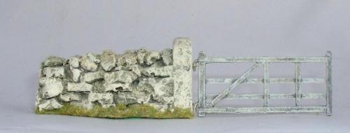 JG Miniatures - C08f - Gate seen here fitted to gatepost