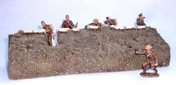 JG Miniatures - M07 - WW1 trench section front (1914-1918 tranchée avant) - diorama with King and Country soldiers - Article EPUISE mais 1 dernier exemplaire en stock