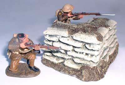 JG Miniatures - M28 a - Sandbagged External Corner - diorama avec figurines de King and Country au 1-30ème