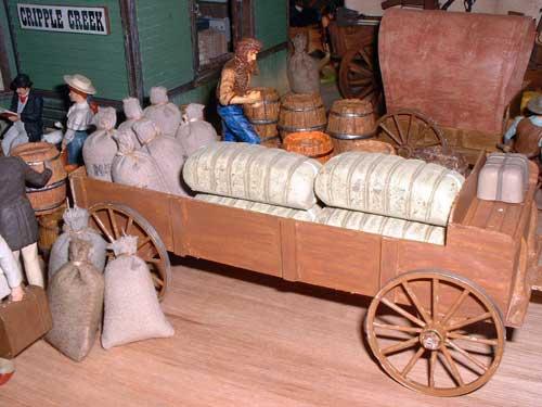 JG Miniatures - M37 - Bales of cotton - diorama western avec figurines Elastolin et Preiser