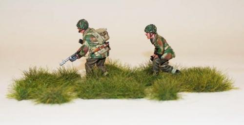 JG Miniatures - S32B - Medium grass clumps (touffes d'herbe moyennes)