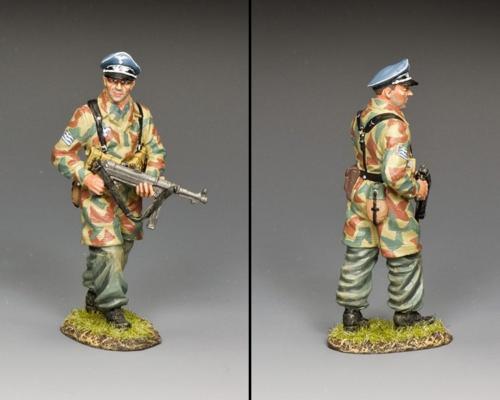 LW086 - Fallschirmjäger - Officer with MP40