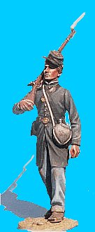 M04 - Union private in frock coat - walking. 54mm Union infantry (unpainted kit) - EN STOCK