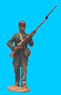 M15 - US coloured troops - Frockcoat, kepi walking rifle at ready. 54mm Union infantry (unpainted kit) - EN STOCK