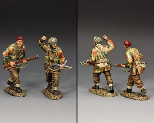 MG081 - Going Into the Attack (set of 2 soldiers)