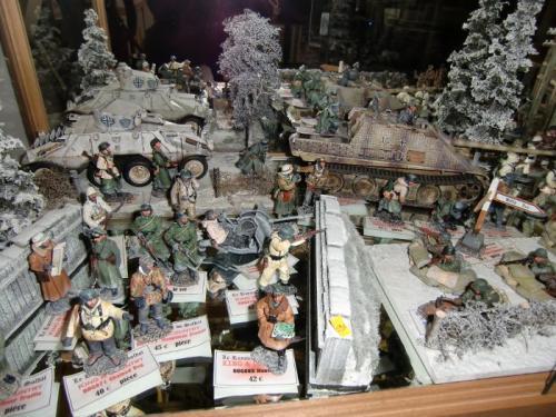 Magasin - Bastogne de King & Country et quelques accessoires de JG Miniatures