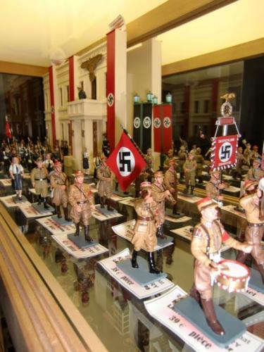 Magasin - défilé à Berlin en 1938 par King & Country