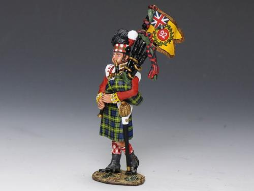 NA215 - Gordon Highlanders Bagpiper