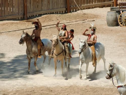 OK Corral - indiens à cheval