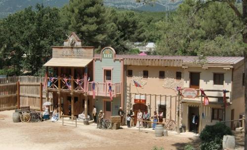 OK Corral - vue générale village western