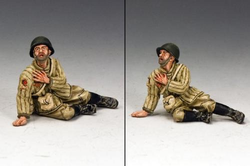 RA022 - Red Army Soldier Sitting Wounded