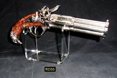 RDS5 - Pistol Stand - présentoir pour armes de poing avec un pitolet de la firme DENIX - EN STOCK