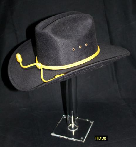 RDS8 - Helmet Stand - Présentoir ou Porte casque (grand modèle) en acrylique transparent avec chapeau de la cavalerie US (Base 12,7 X 12,7 cm - Haut. grand modèle 39,5 cm) - EN STOCK