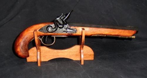 S801 - DENIX - présentoir en bois avec un pistolet Kentucky de Denix - EN STOCK
