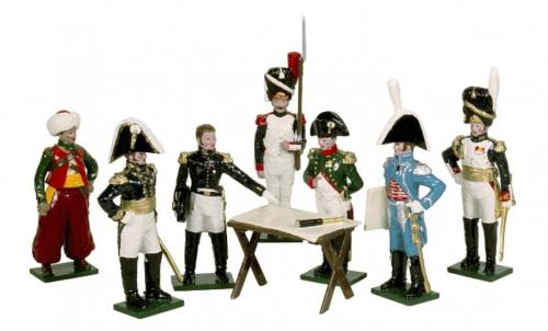 Tradition of London - 746 - Napoleons Headquarters Painted (Mamuluke Roustam, Marshal Berthier, Staff Officer, Imperial Guard Grenadier, Napoleon, Count Gourgaud, General Dorsenne, Map Table) - disponible sur commande