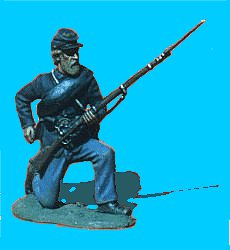 U06 - Kneeling - Reaching for cartridge. 54mm Union infantry (unpainted kit) - EN STOCK