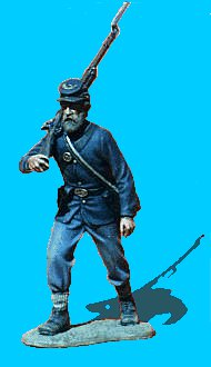 U13 - Advancing - Rifle over shoulder. 54mm Union infantry (unpainted kit) - EN STOCK