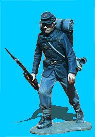 U17 - Advancing - Rifle at trail (Knapsack not included). 54mm Union infantry (unpainted kit).  Knapsack not included  - EN STOCK