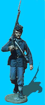 U01 - Walking with Rifle over shoulder. 54mm Union infantry (unpainted kit) - EN STOCK